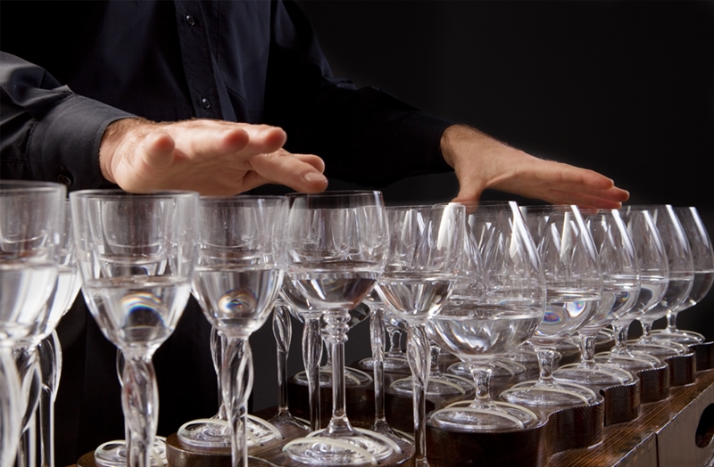 Robert Tiso hands glass harp