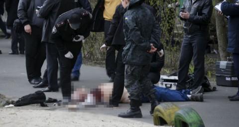 © REUTERS/ VALENTYN OGIRENKO キエフで反体制ジャーナリスト・オレシ・ブジナ氏が殺害された。プーチン大統領はこの犯罪を政治的なものと見ている