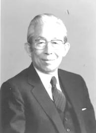前川春雄(まえかわ・はるお)