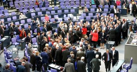 ドイツ議会議員:米国はウクライナのシェールガスを理由にロシアとの対立を始めた 続きを読む http://jp.sputniknews.com/europe/20150612/448264.html#ixzz3cw7azAKu