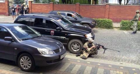 ムカチェヴォ事件で「右派セクター」にチェコの盗難車、チェコ警察が捜査