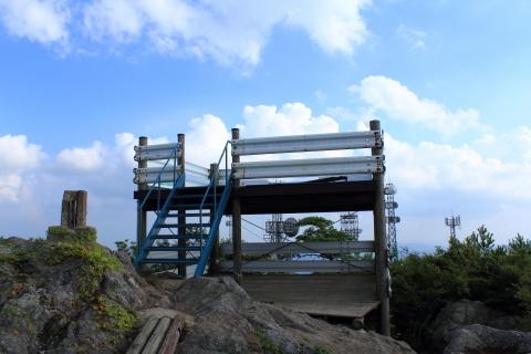 板鍋山山頂展望台(リンク:http://ameblo.jp/hh-yuutarou/entry-10982188837.html )