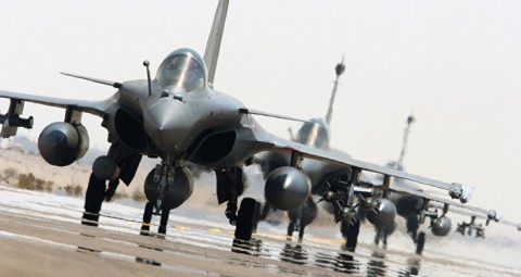 © AP PHOTO/ 仏空軍 仏、シリアのIS養成キャンプに空爆