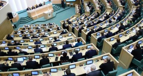 © SPUTNIK/ VLADIMIR FEDORENKO ロシア上院 ロシア軍を外国で使用することを許可する決議を承認