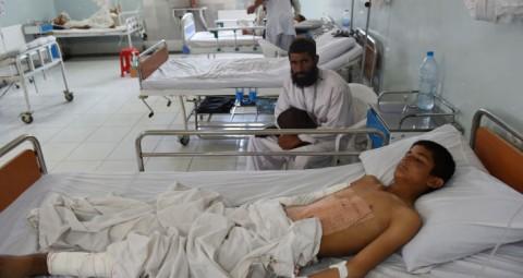 © AFP 2015/ SHAH MARAI 「国境なき医師団」アフガンの医療所が米空軍に誤爆、医師、患者ら死亡