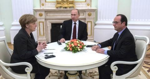 © SPUTNIK/ SERGEY GUNEEV プーチン大統領、仏オランド大統領、独メルケル首相が中国開催のG20サミットの余白に会談へ