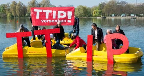 © AFP 2016/ SEBASTIAN GOLLNOW / DPA TTIP交渉は事実上、決裂したのか?