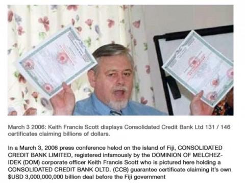 """【2006年3月3日、フィジー諸島で開かれた記者会見の場で、悪名高いメルキゼデク自治領に登録された企業コンソリデーティッド信用銀行の執行役員キース・フランシス・スコットがフィジー政府に対して30億米国ドルを請求する自社の取引証書を見せている様子。 ※この自治領とやらは、1990年にアメリカ人がコロンビア沖や南太平洋のフィジーなどに属する無人島を利用して勝手に独立を宣言した""""なんちゃって国家""""で、世界規模の金融詐欺に使われていたみたいです。】"""